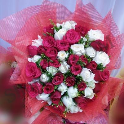 Red & White_Roses_Bunch